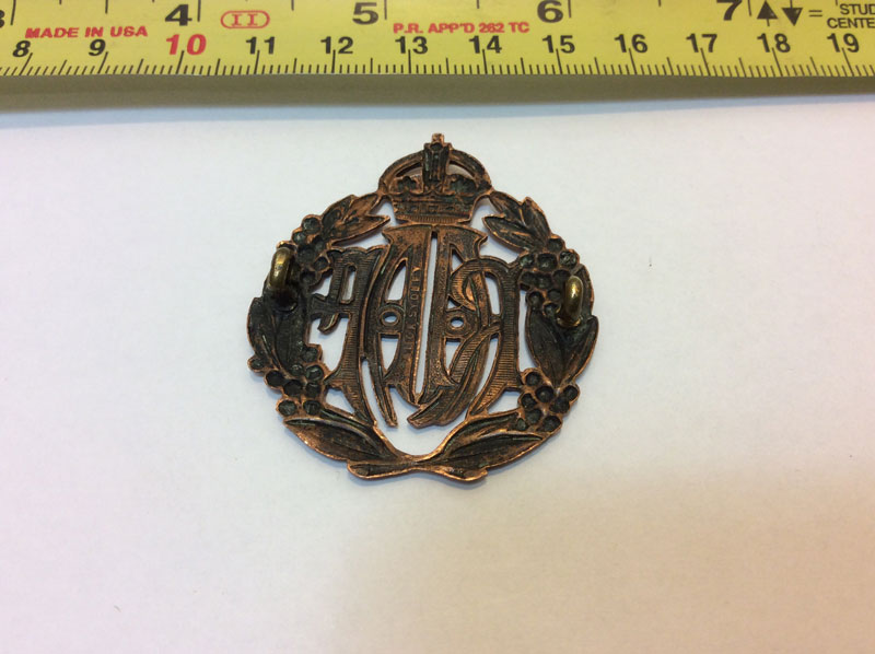 Royal Australian Air Force metal cap badge