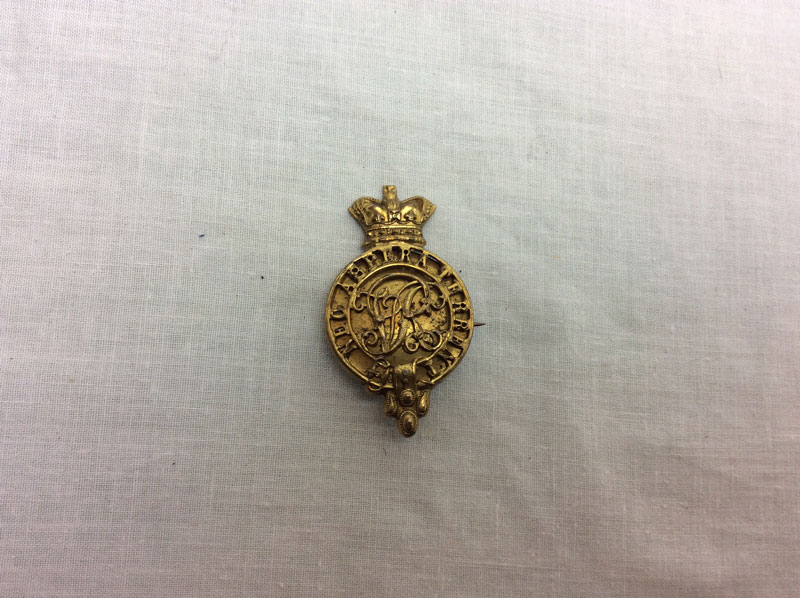 Victorian Officers military college badge (complete)