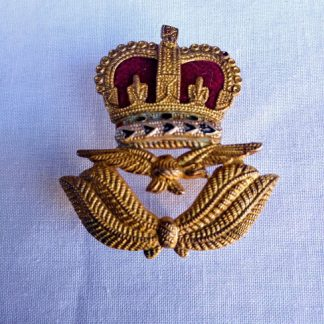 RAF flight officer cap badge post WW2