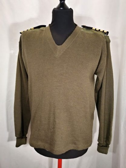 Vintage British Army Officer olive green jumper with epaulettes fixing