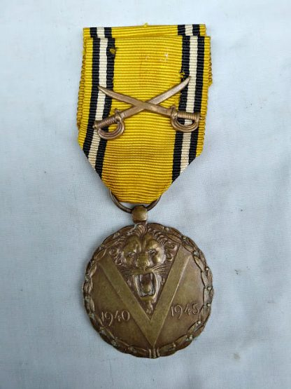 Belgium commemorative medal of WW2 cross swords