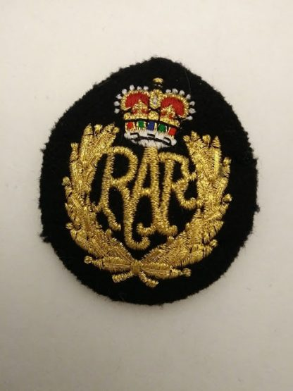 RAF Queen's crown cap badge